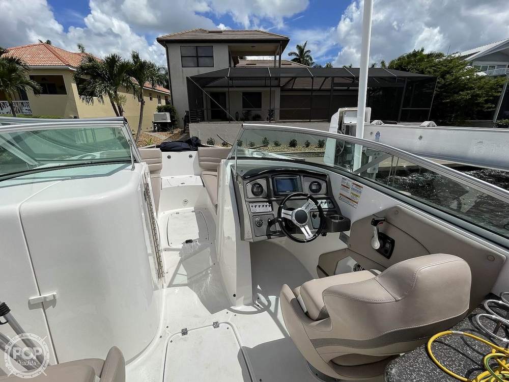 2015 Hurricane boat for sale, model of the boat is 2690 SD & Image # 38 of 40