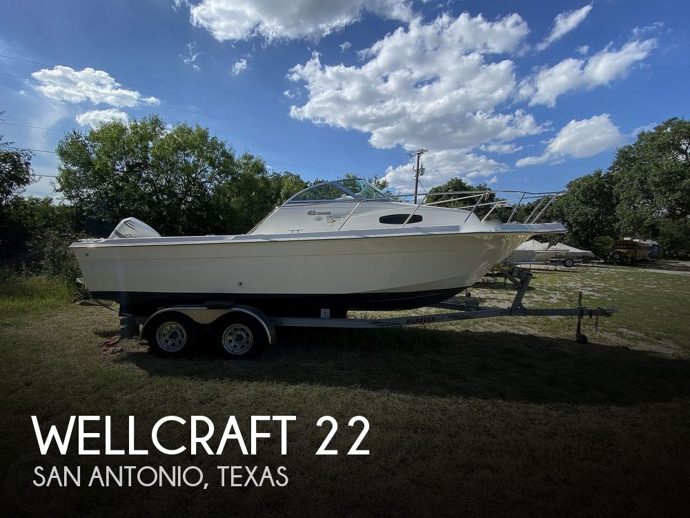 2001 Wellcraft boat for sale, model of the boat is 22 Walkaround & Image # 1 of 40