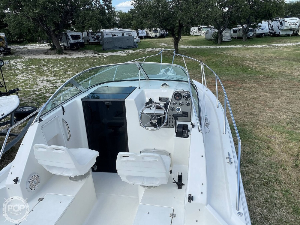 2001 Wellcraft boat for sale, model of the boat is 22 Walkaround & Image # 6 of 40