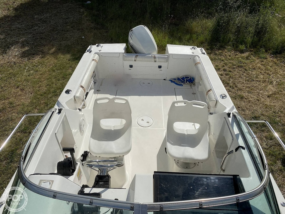 2001 Wellcraft boat for sale, model of the boat is 22 Walkaround & Image # 8 of 40