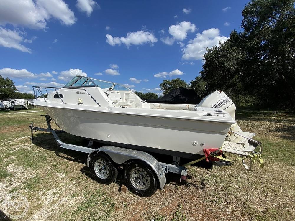 2001 Wellcraft boat for sale, model of the boat is 22 Walkaround & Image # 12 of 40