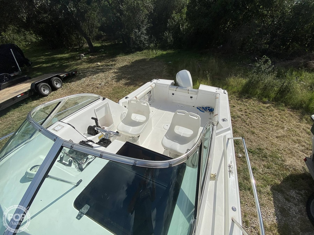 2001 Wellcraft boat for sale, model of the boat is 22 Walkaround & Image # 15 of 40