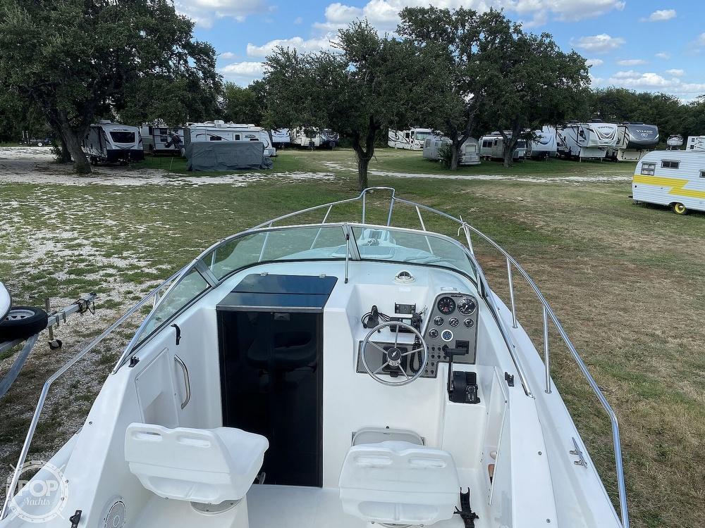 2001 Wellcraft boat for sale, model of the boat is 22 Walkaround & Image # 19 of 40