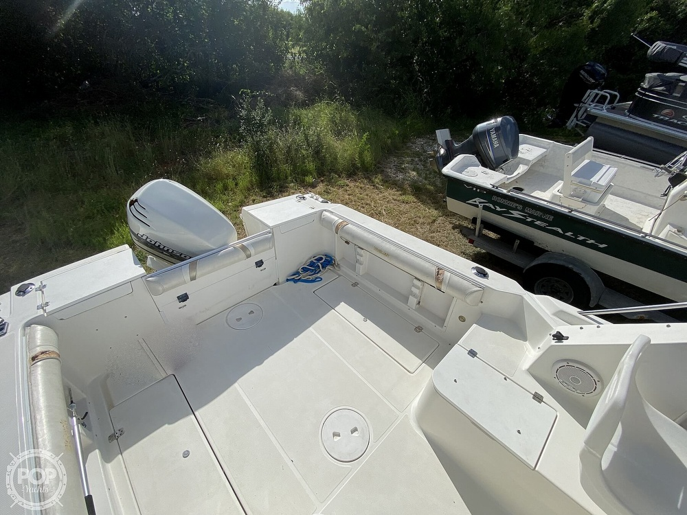 2001 Wellcraft boat for sale, model of the boat is 22 Walkaround & Image # 24 of 40