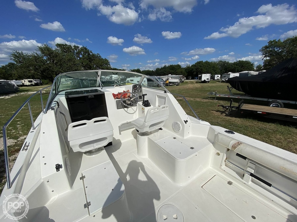 2001 Wellcraft boat for sale, model of the boat is 22 Walkaround & Image # 28 of 40
