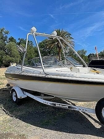 2001 Wellcraft boat for sale, model of the boat is 186 ss & Image # 5 of 6