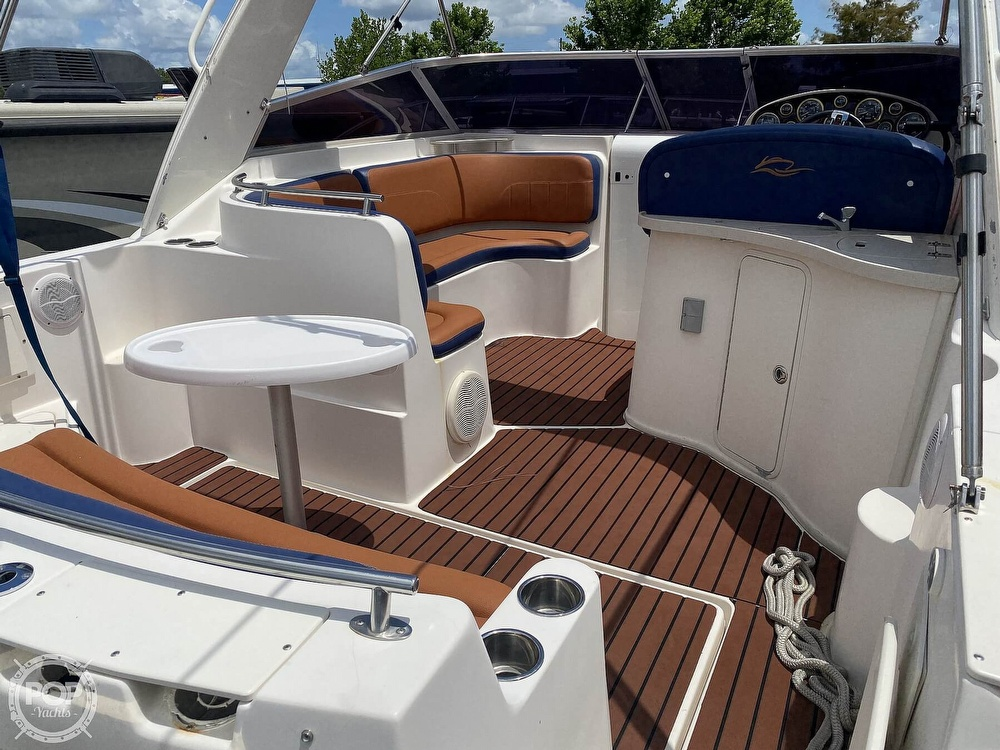 2002 Rinker boat for sale, model of the boat is 310 Fiesta Vee & Image # 3 of 40