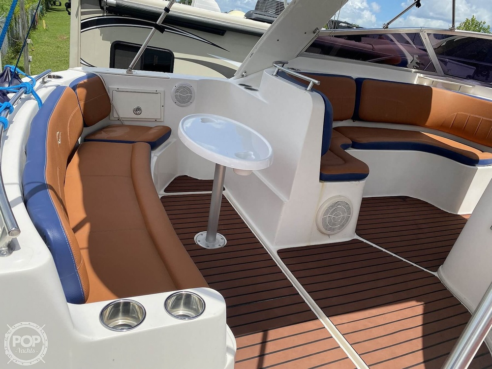 2002 Rinker boat for sale, model of the boat is 310 Fiesta Vee & Image # 14 of 40