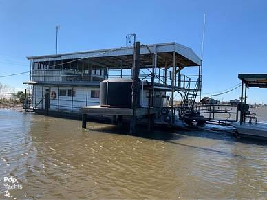 1982 Custom 60' Houseboat