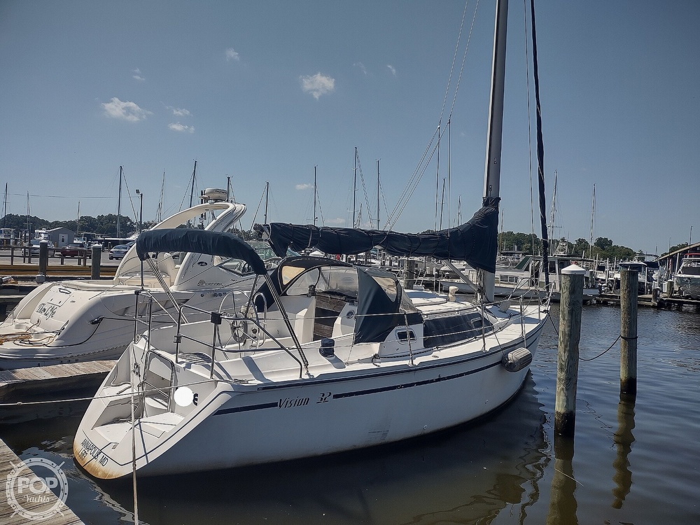 1989 Hunter boat for sale, model of the boat is 32 Vision & Image # 2 of 40