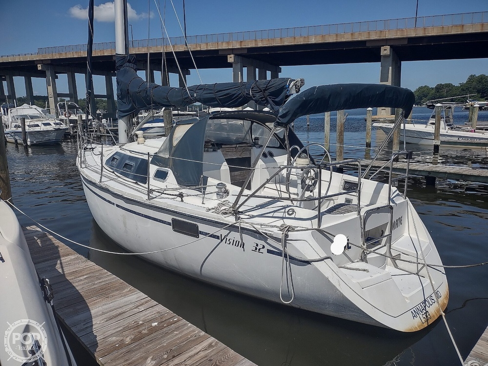 1989 Hunter boat for sale, model of the boat is 32 Vision & Image # 4 of 40