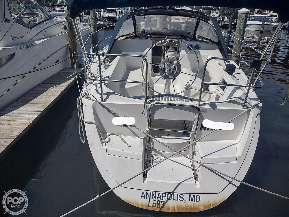 1989 Hunter boat for sale, model of the boat is 32 Vision & Image # 3 of 40
