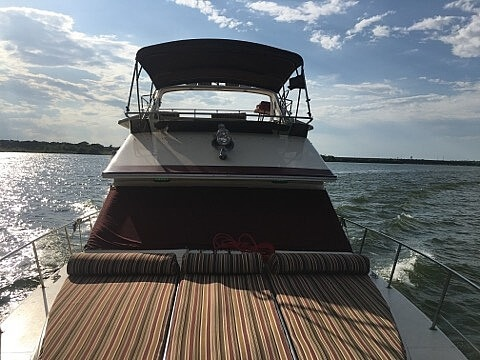 1987 Sea Ray boat for sale, model of the boat is 410 Aft Cabin & Image # 3 of 40