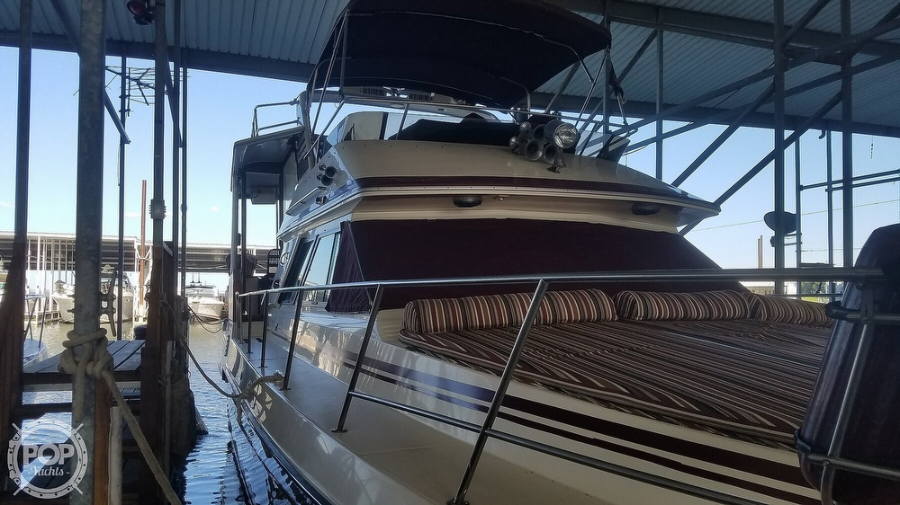 1987 Sea Ray boat for sale, model of the boat is 410 Aft Cabin & Image # 33 of 40