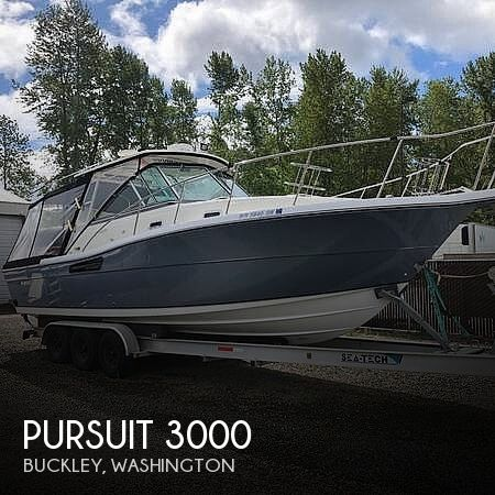 Used Power boats For Sale in Bremerton, Washington by owner | 2001 Pursuit 3000 express