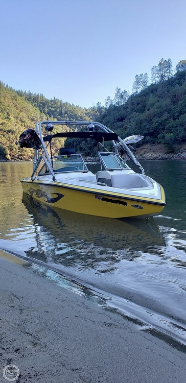 2005 Centurion boat for sale, model of the boat is Thunder Storm & Image # 3 of 4