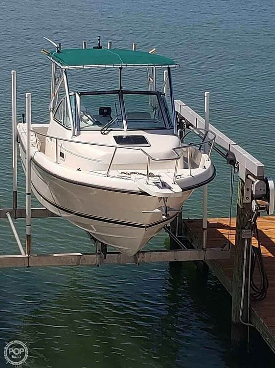 2000 Pursuit boat for sale, model of the boat is 2470 WA & Image # 3 of 40