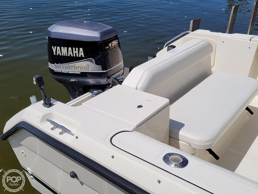 2000 Pursuit boat for sale, model of the boat is 2470 WA & Image # 13 of 40