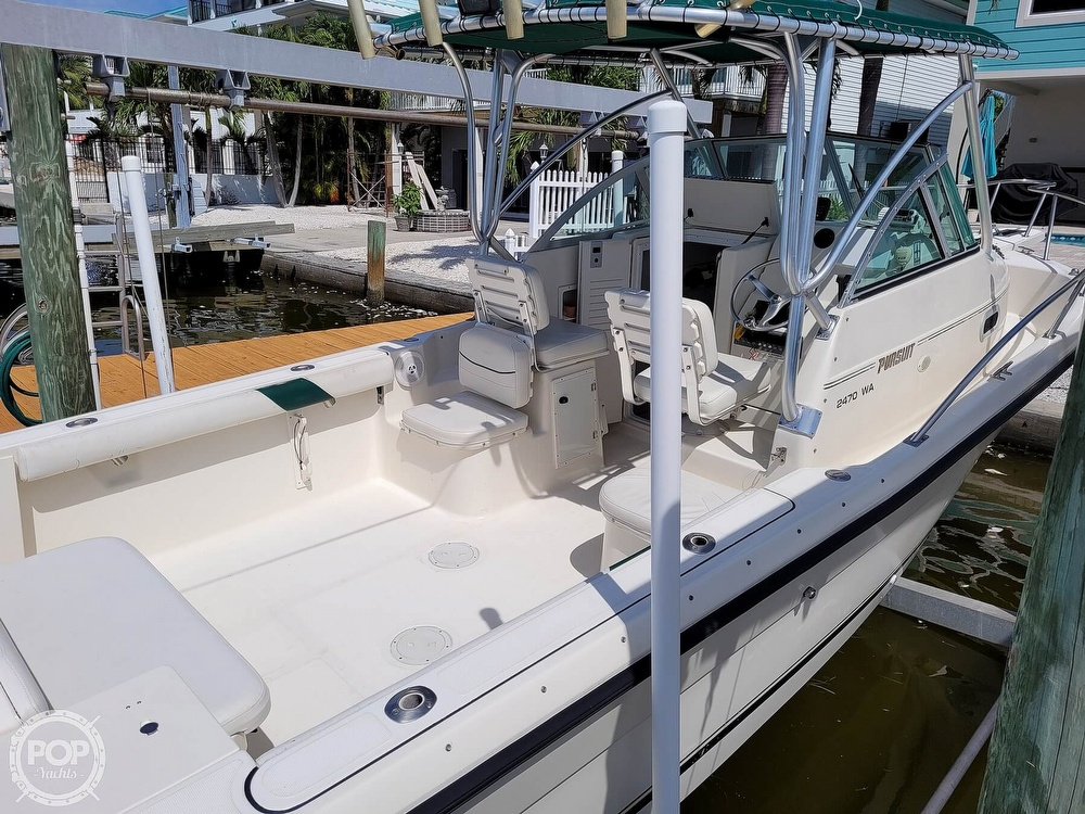 2000 Pursuit boat for sale, model of the boat is 2470 WA & Image # 17 of 40