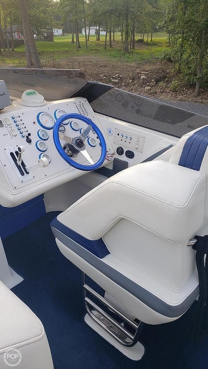 1998 Fountain boat for sale, model of the boat is Fever 27 & Image # 12 of 31