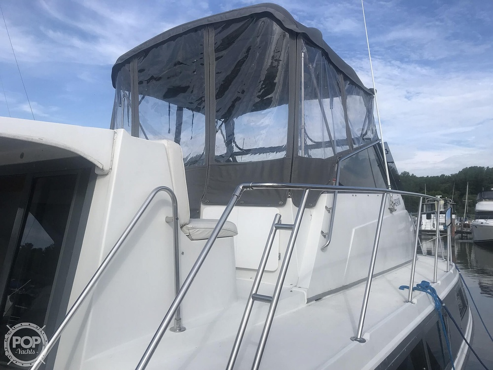 1995 Carver boat for sale, model of the boat is 330 Mariner & Image # 16 of 40