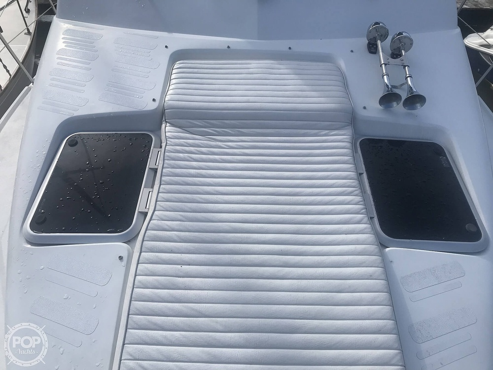 1995 Carver boat for sale, model of the boat is 330 Mariner & Image # 31 of 40