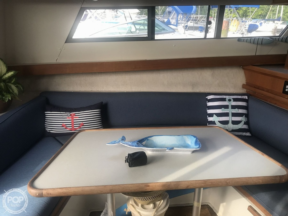 1995 Carver boat for sale, model of the boat is 330 Mariner & Image # 5 of 40