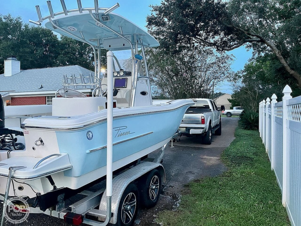 2014 Pioneer boat for sale, model of the boat is 222 Sportfish & Image # 15 of 40