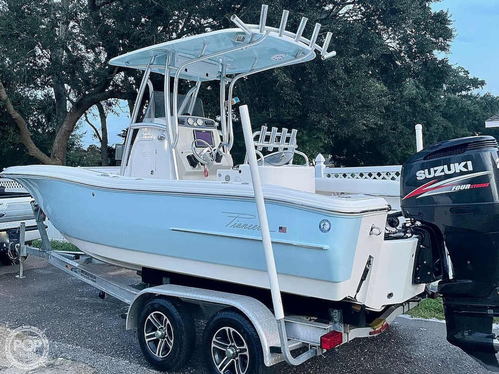 2014 Pioneer boat for sale, model of the boat is 222 Sportfish & Image # 3 of 40
