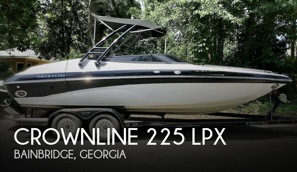 2001 Crownline boat for sale, model of the boat is 225 LPX & Image # 1 of 40