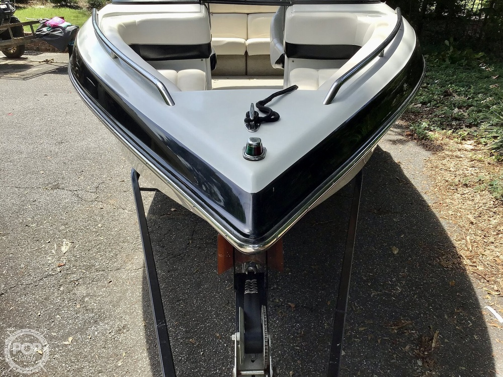 2001 Crownline boat for sale, model of the boat is 225 LPX & Image # 15 of 40