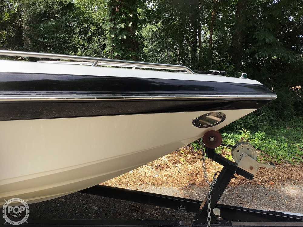 2001 Crownline boat for sale, model of the boat is 225 LPX & Image # 18 of 40