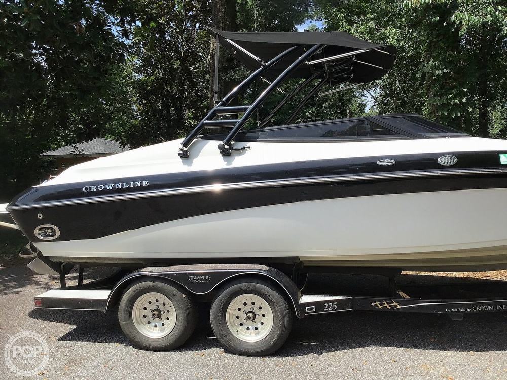 2001 Crownline boat for sale, model of the boat is 225 LPX & Image # 20 of 40