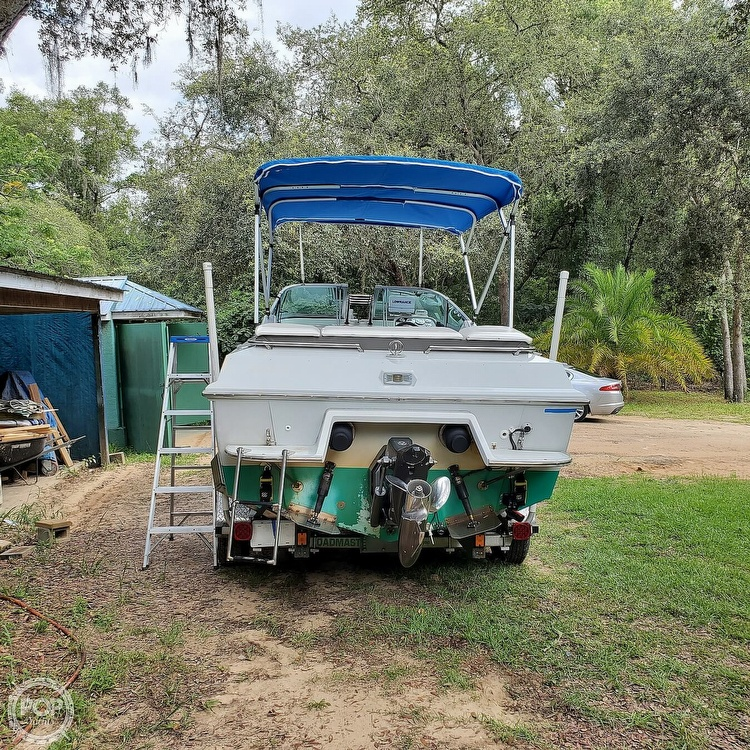 1987 Boston Whaler boat for sale, model of the boat is 2200 Temptation MPFI & Image # 33 of 40
