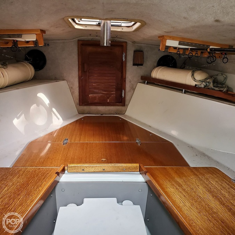1987 Boston Whaler boat for sale, model of the boat is 2200 Temptation MPFI & Image # 7 of 40