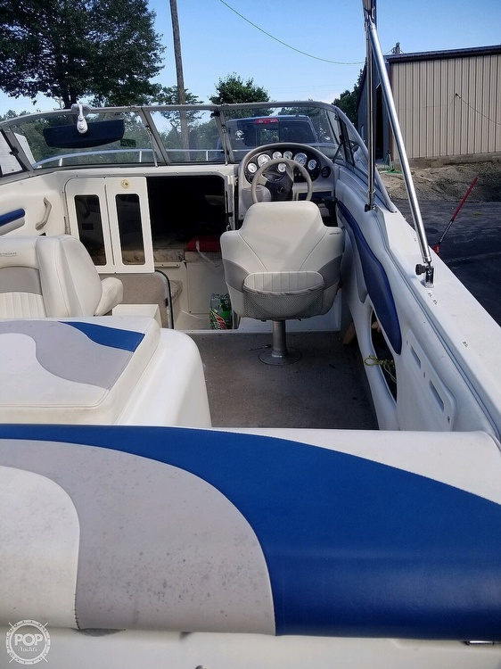 2003 Stingray boat for sale, model of the boat is 220 CS & Image # 14 of 15