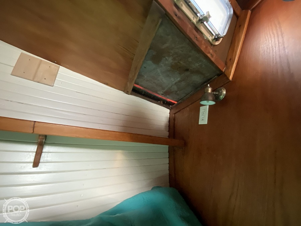 1982 Freedom Yachts boat for sale, model of the boat is Cat Ketch 33 & Image # 12 of 40