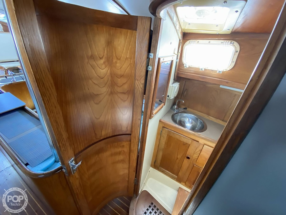 1982 Freedom Yachts boat for sale, model of the boat is Cat Ketch 33 & Image # 26 of 40