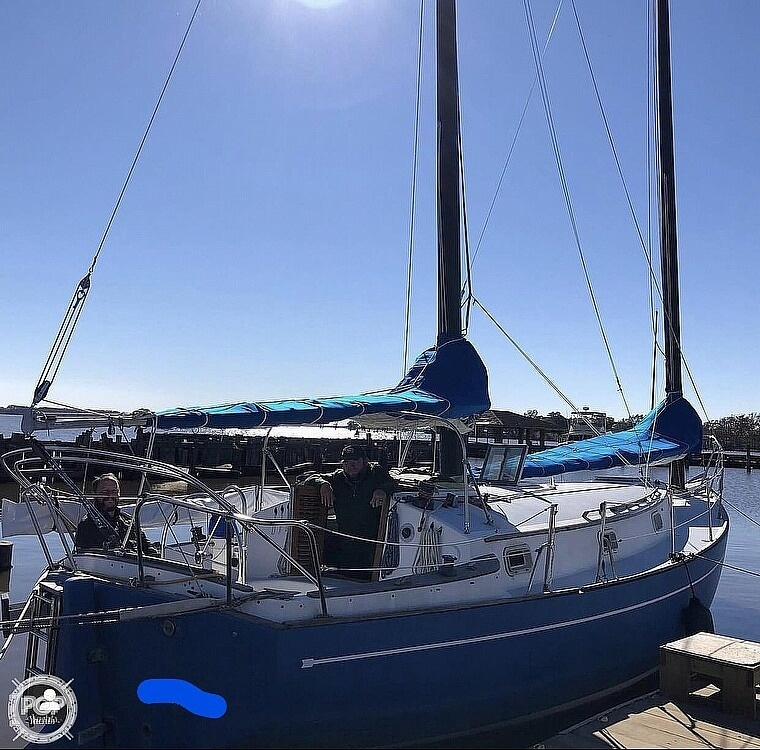 1982 Freedom Yachts boat for sale, model of the boat is Cat Ketch 33 & Image # 3 of 40