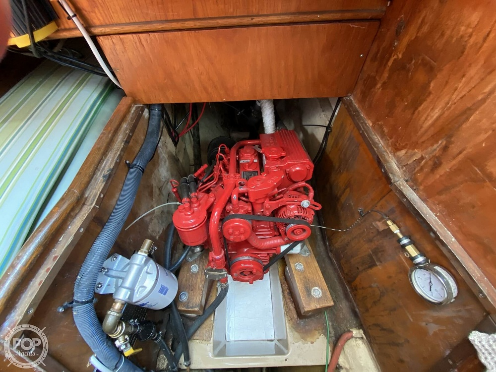 1982 Freedom Yachts boat for sale, model of the boat is Cat Ketch 33 & Image # 31 of 40