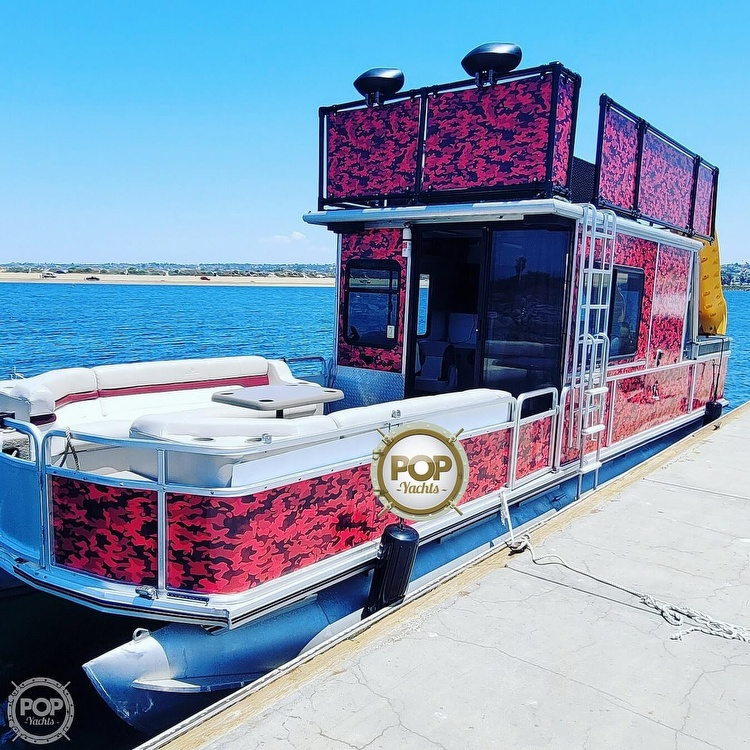2000 Sun Tracker Party Cruiser 32 - #$LI_INDEX
