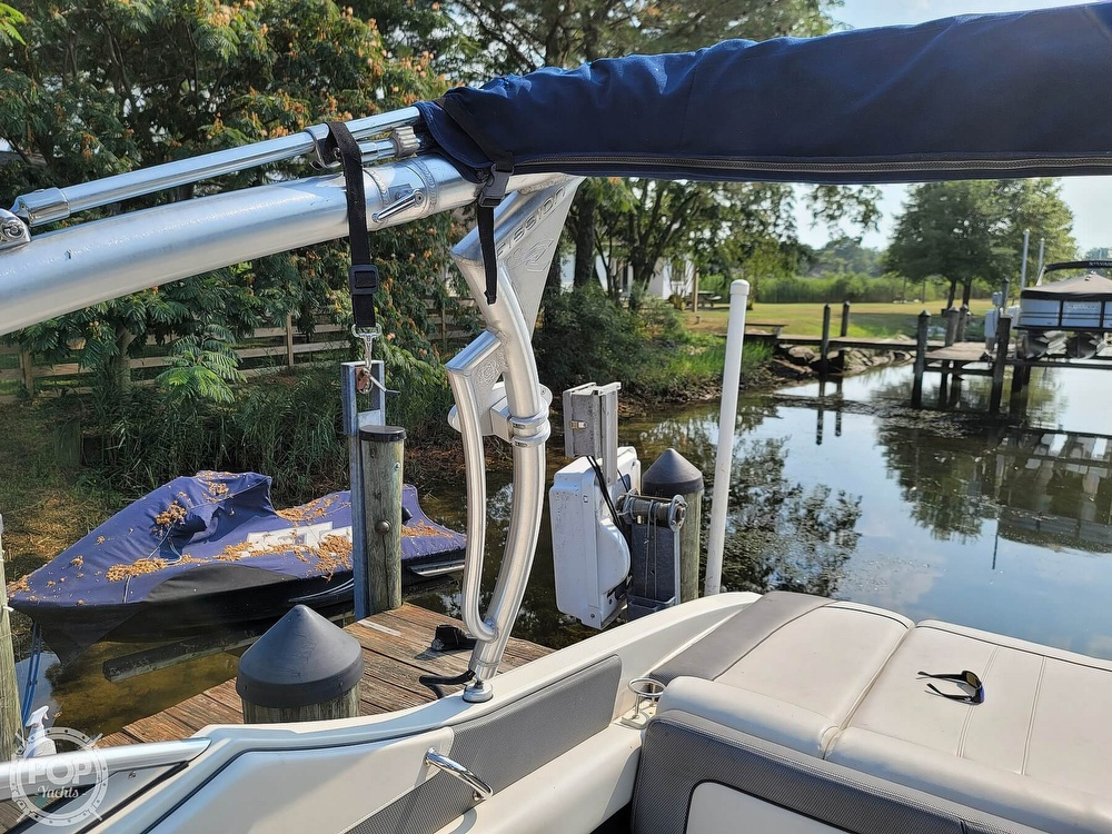 2009 Sea Ray boat for sale, model of the boat is 230 Fission Select & Image # 16 of 40