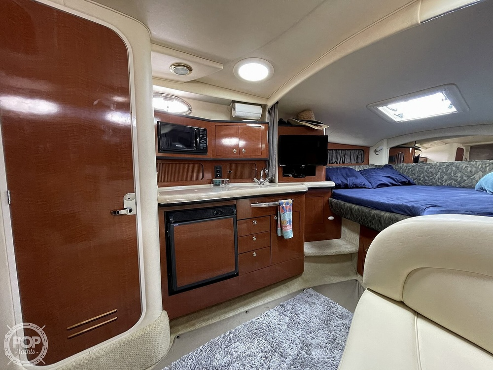 2004 Sea Ray boat for sale, model of the boat is 300 Sundancer & Image # 20 of 40