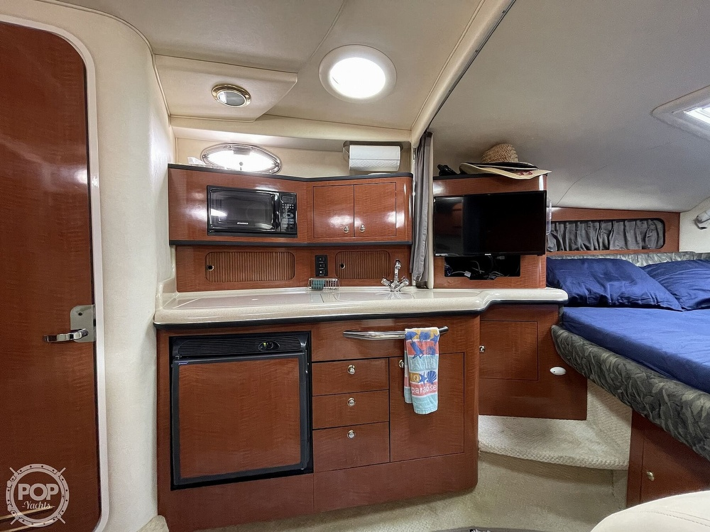 2004 Sea Ray boat for sale, model of the boat is 300 Sundancer & Image # 21 of 40