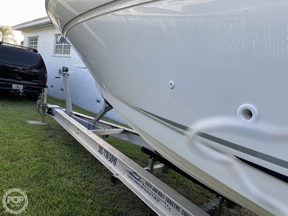 2004 Sea Ray boat for sale, model of the boat is 300 Sundancer & Image # 24 of 40
