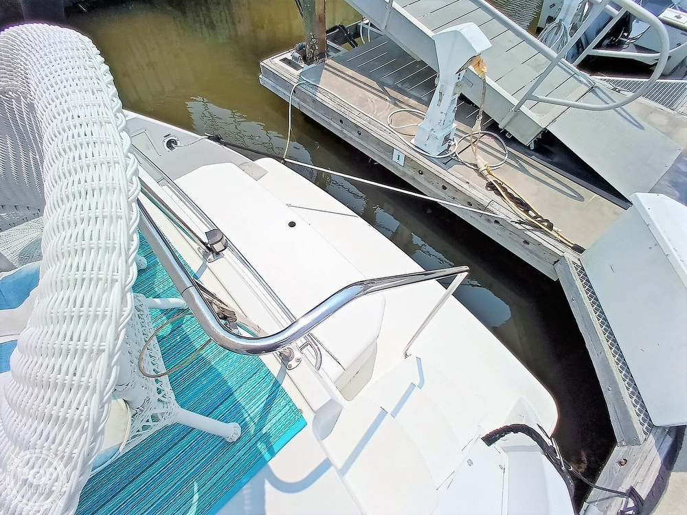 1997 Carver boat for sale, model of the boat is 355 AFT CABIN & Image # 39 of 40