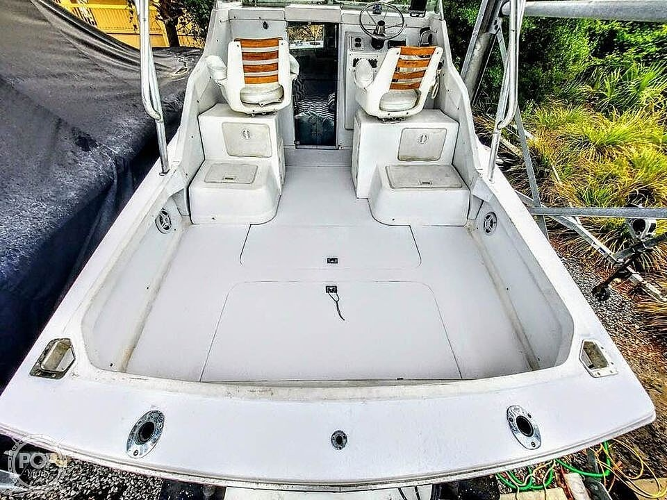 1970 Bertram boat for sale, model of the boat is 25' Cabin Cruiser & Image # 8 of 40