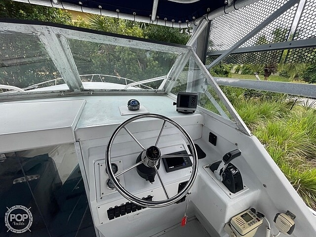 1970 Bertram boat for sale, model of the boat is 25' Cabin Cruiser & Image # 28 of 40