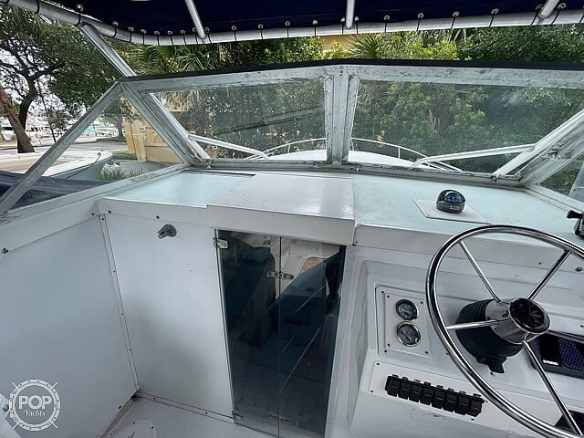 1970 Bertram boat for sale, model of the boat is 25' Cabin Cruiser & Image # 29 of 40