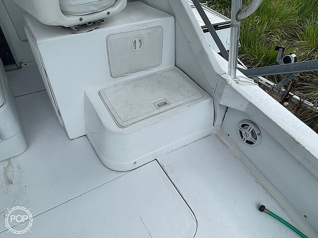 1970 Bertram boat for sale, model of the boat is 25' Cabin Cruiser & Image # 38 of 40